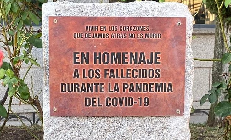 placa-homenaje-covid